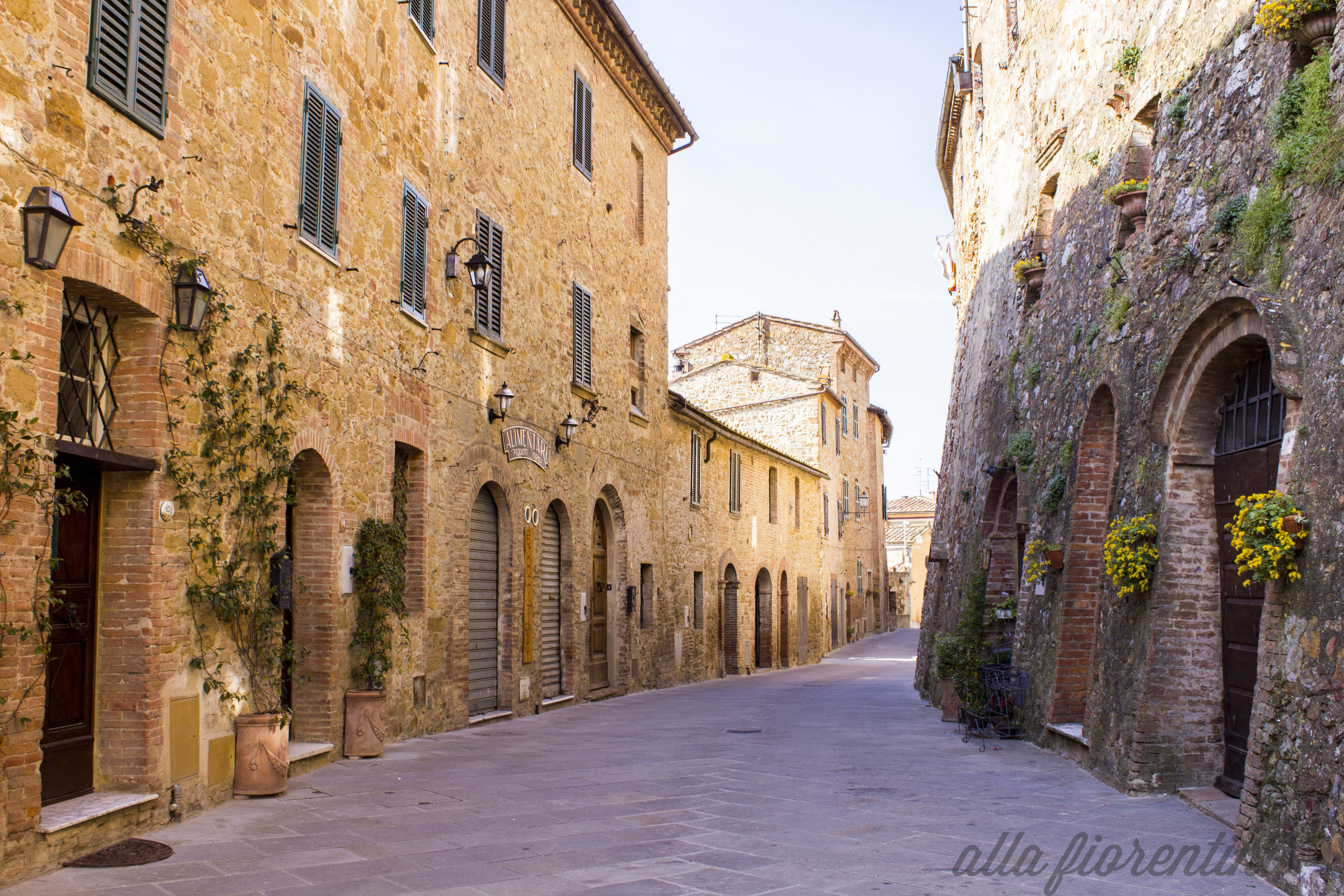 small tuscan town montisi